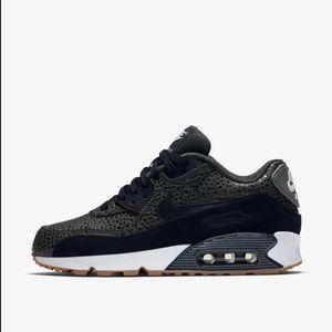 Nike Air Max 90 Premium Women's SZ 7 Sneakers